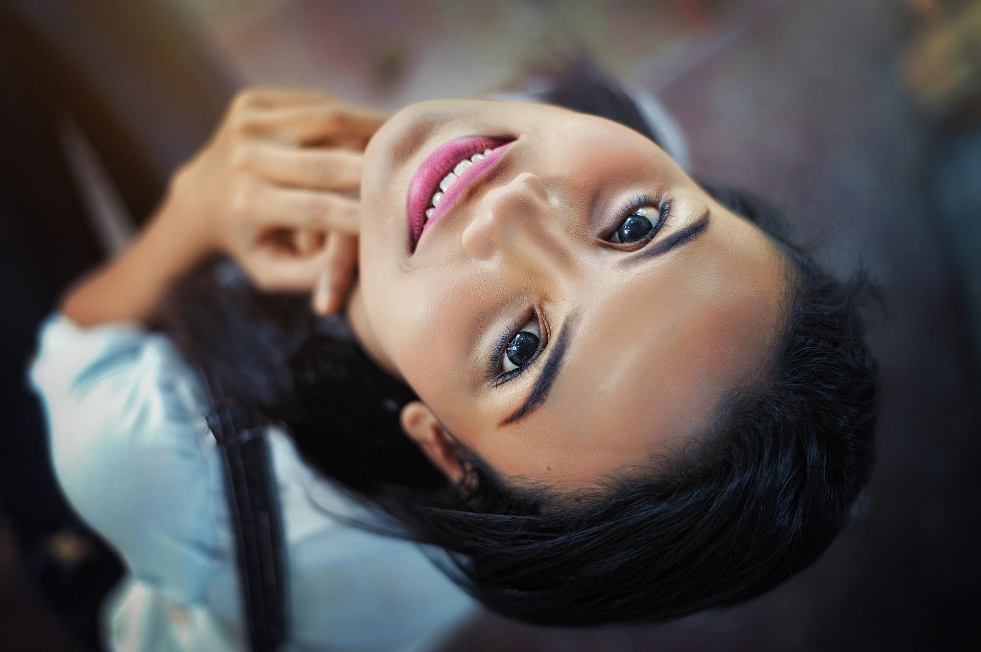 Uśmiech – podstawa atrakcyjności