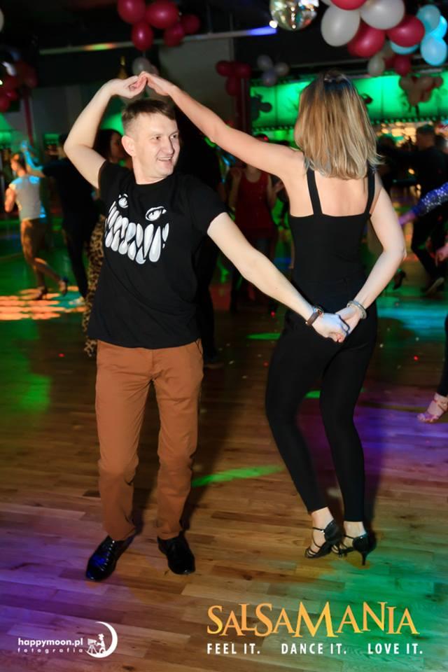 Jak rozwinąć podstawowy krok do tańca